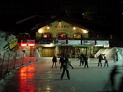 Il pattinaggio del Lino's Bar in notturna