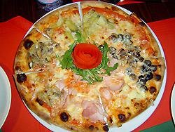 La pizza della Pizzeria del Lino's Bar